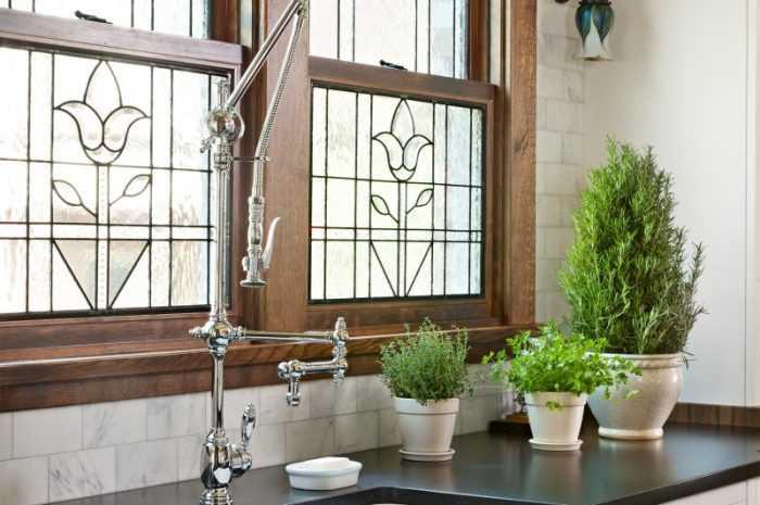 Кухня под окном — ТОП-140 фото необычных дизайнерских решений. Советы по обустройству рабочей зоны под окном
