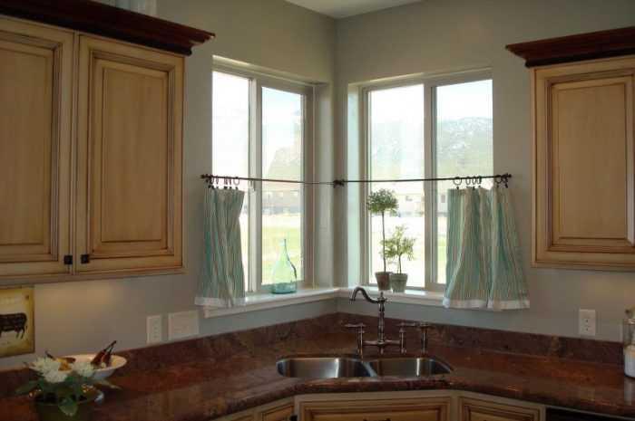 Кухня вдоль окна: плюсы и минусы расположения. Варианты дизайна кухни вдоль окна. Фото-примеры лучших интерьеров
